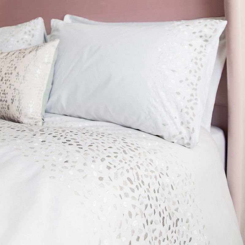 Climping White Embroidered Bedlinen Set